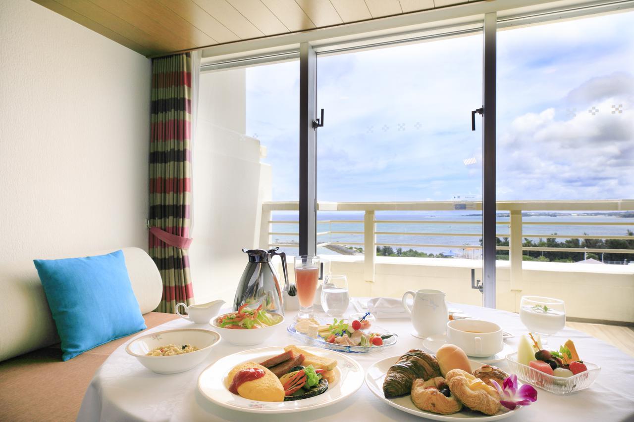 画像1: 気軽に南国気分を! 沖縄をハワイアンスタイルで楽しむ家族旅行はいかがですか?