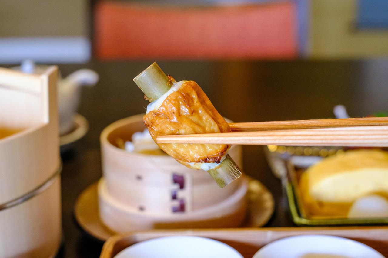 画像: 徳島名物の竹ちくわはパリッとした皮ともっちり弾力のある練り物。