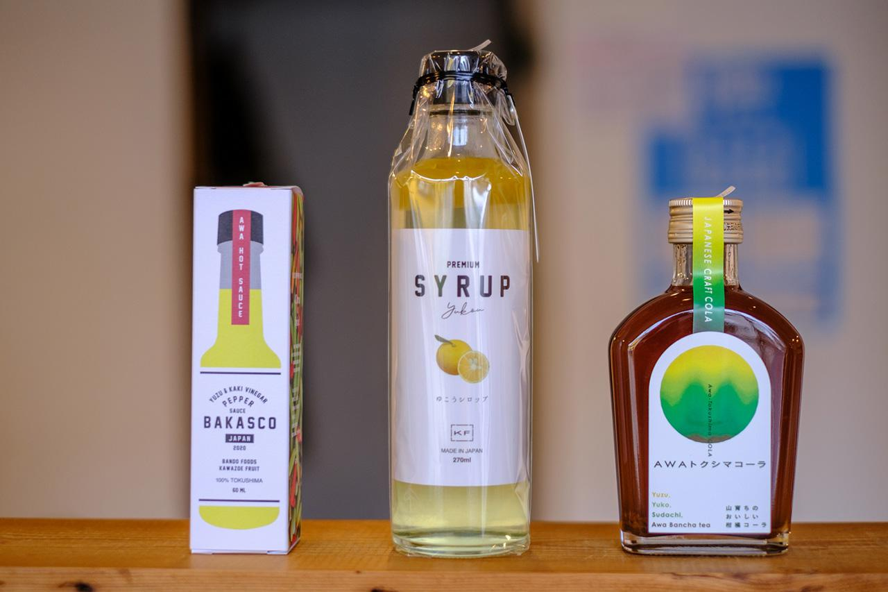 画像: 地元メーカーが作った柑橘フレーバーの香辛料やシロップ。