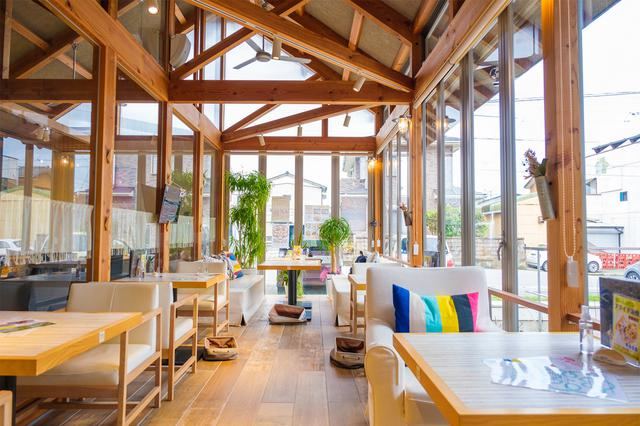 画像: 鳴門駅から徒歩10分程度。「れんまるカフェ」で最初のランチ。
