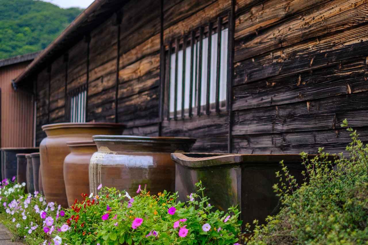 画像: 大谷焼の代表格である、大甕。