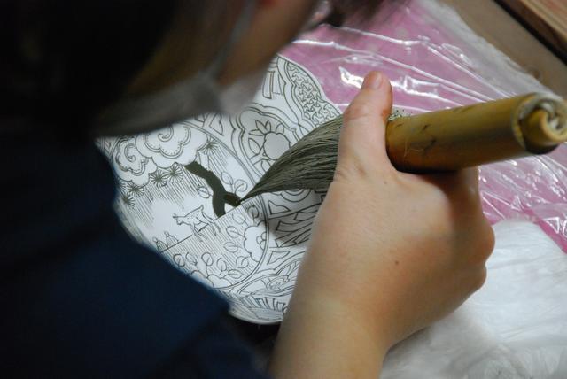 画像2: 【佐賀・有田焼】国産磁器のふるさと・有田の品格が宿る「李荘窯」