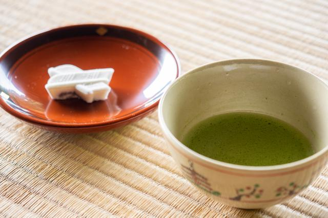画像2: 茶の湯発祥の地で奈良を体感すべく、「慈光院」でお抹茶をいただく