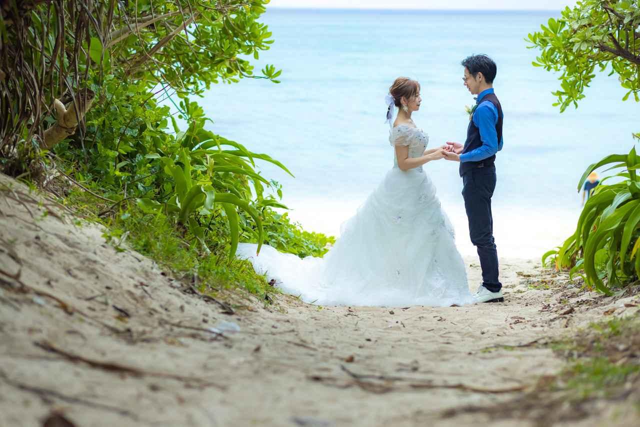 """画像1: 憧れの沖縄フォトウェディングはJALで。その理由を""""先輩""""にききました"""