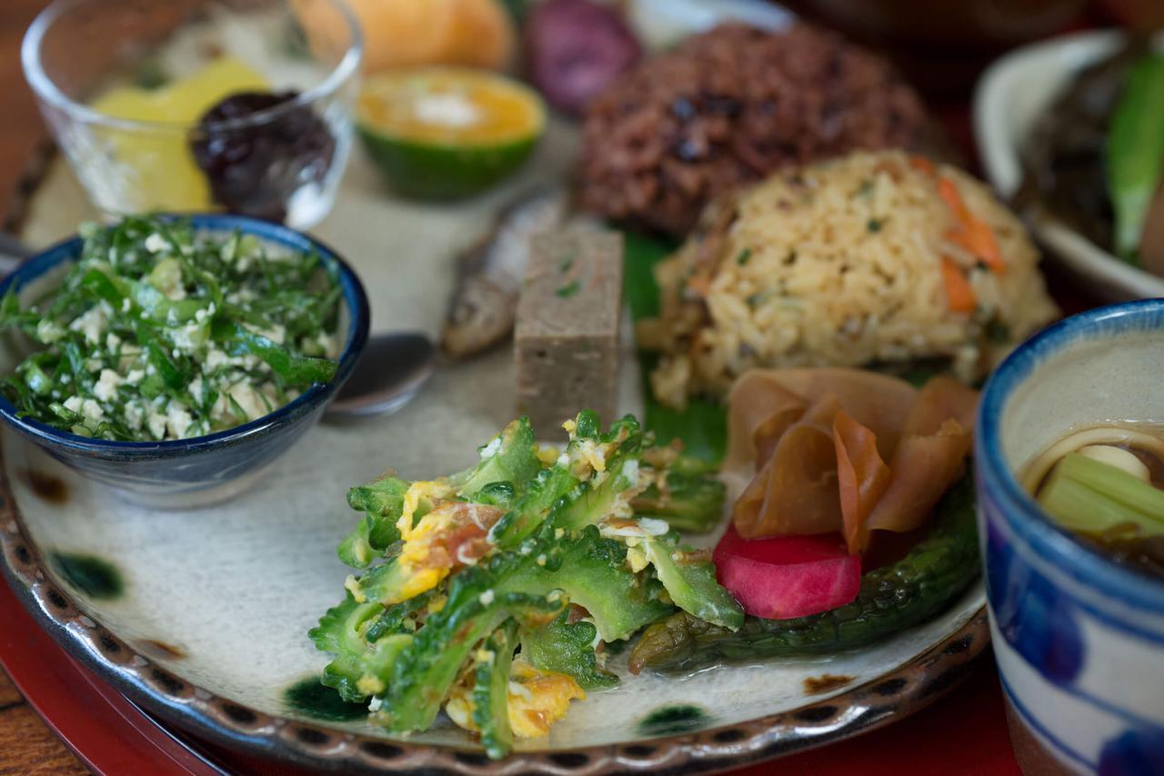 画像: 【グルメ】個性的な島野菜でエネルギーチャージ「笑味の店」