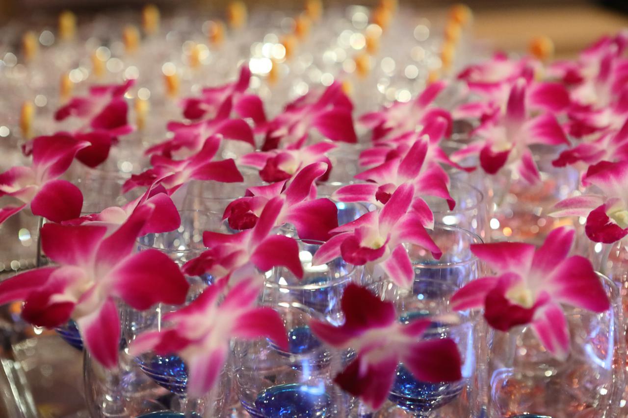 画像5: 夕焼けとオーシャンブルーの演出のなか、新高輪でハワイアンウェルカムディナー
