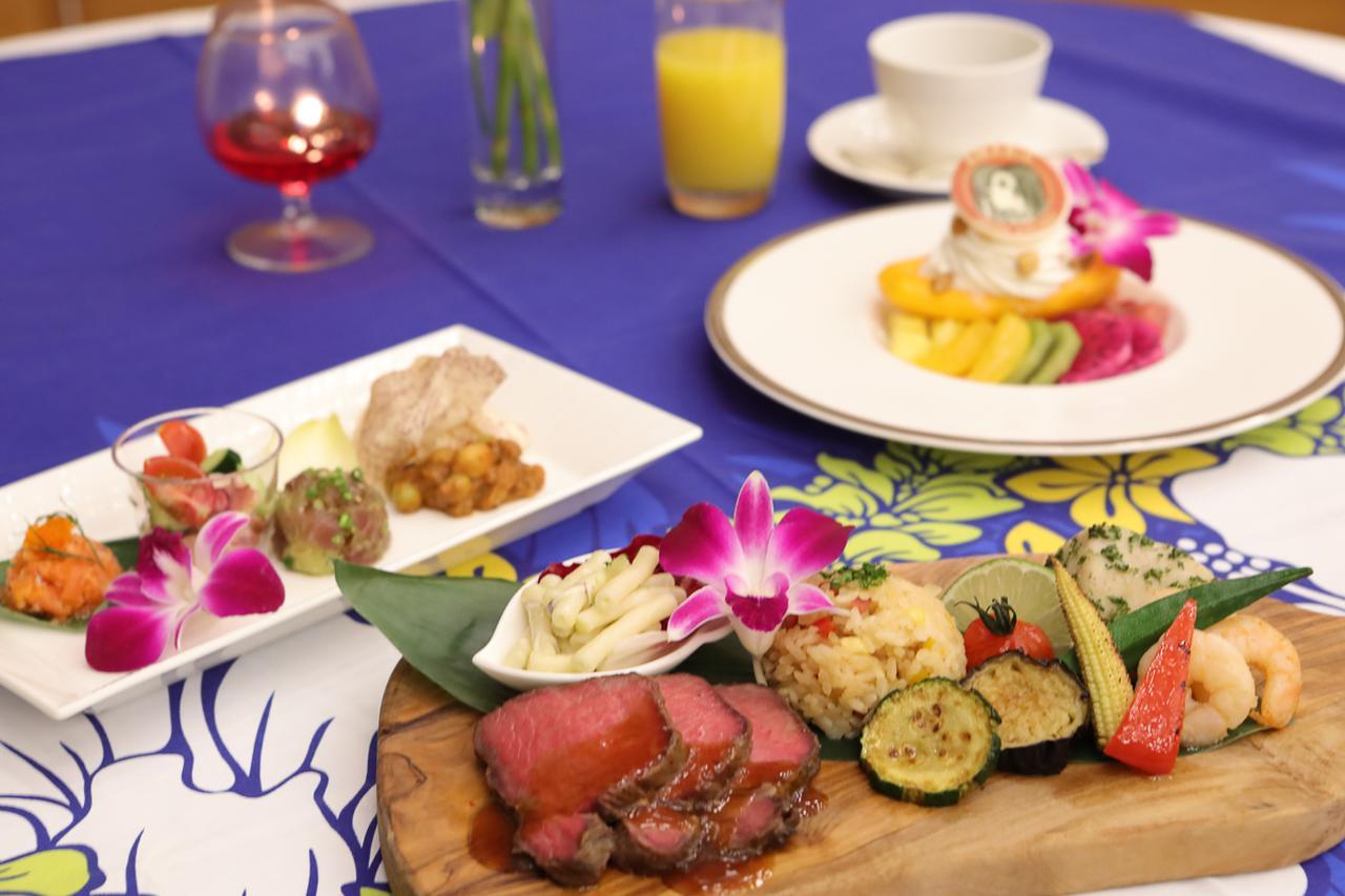 画像4: 夕焼けとオーシャンブルーの演出のなか、新高輪でハワイアンウェルカムディナー