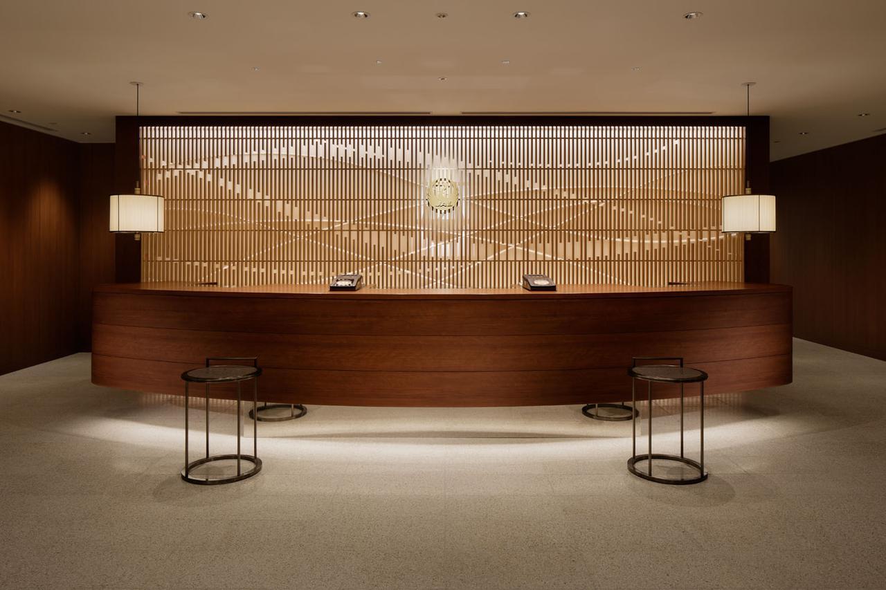 画像: 福岡空港 国内線ラウンジ レセプションカウンター