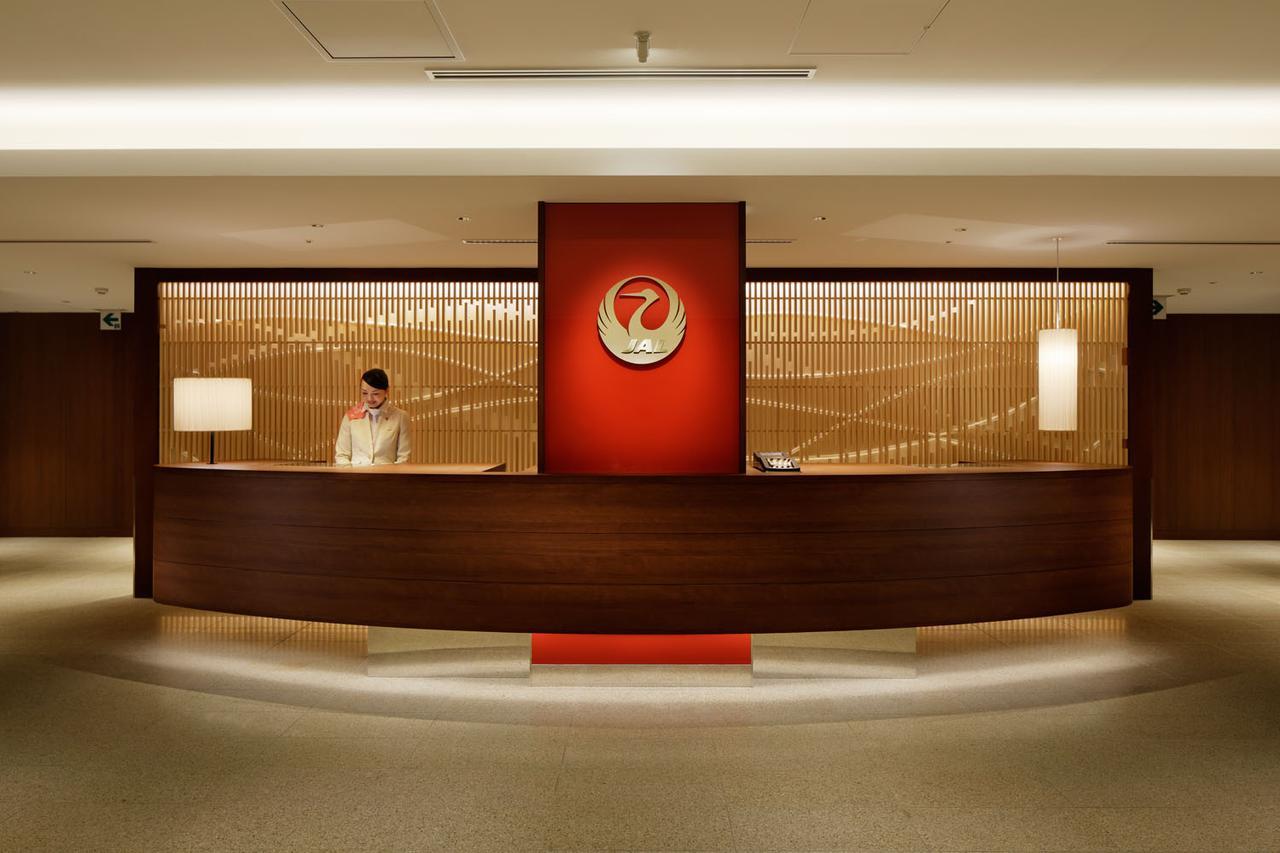 画像: 新千歳空港 国内線ラウンジ レセプションカウンター
