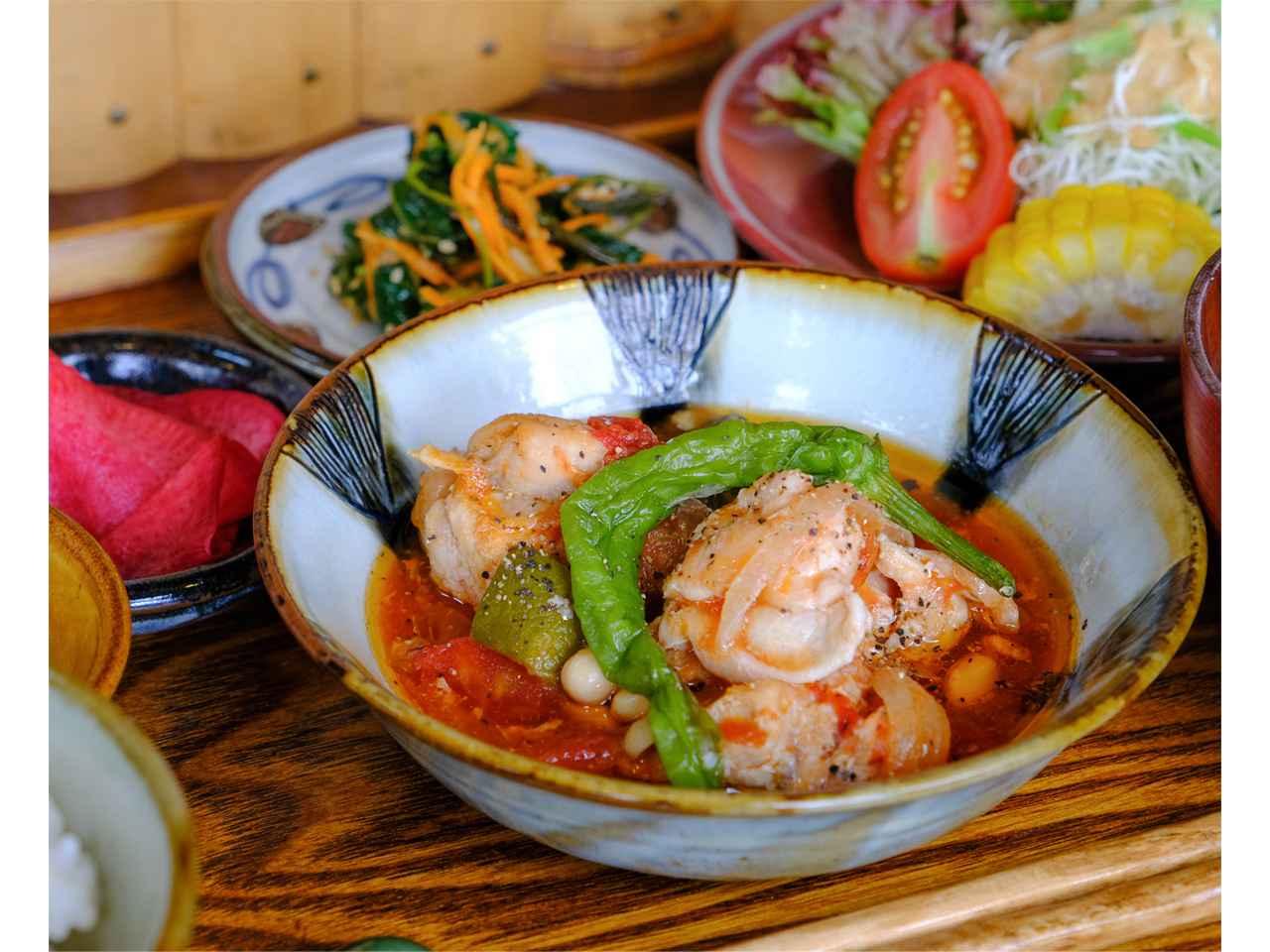 画像: 手作り、化学調味料不使用の料理は優しい味。野菜たっぷりでヘルシーです。