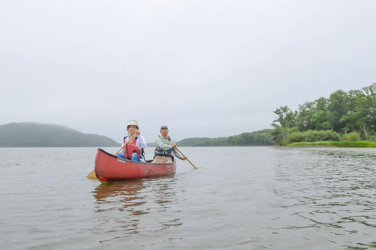 画像1: 釧路川をカヌーで下る、原始の湿原に溶けこむ時間