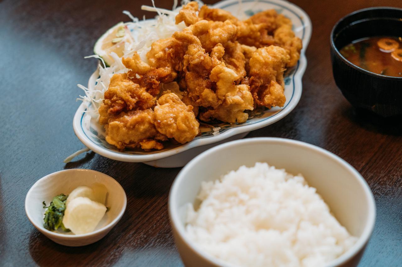 画像: 「とり天定食」1,350円(税込)
