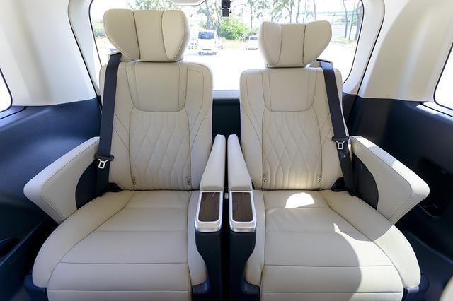 画像9: 今井優杏のRADIO TEST DRIVE/フルサイズ高級ワゴン「グランエース」試乗インプレッション 前編