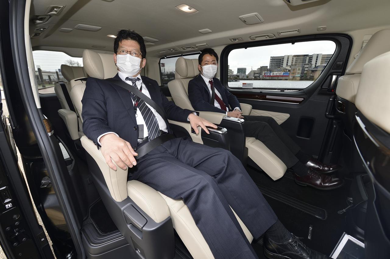 画像: エグゼクティブなこのお二人は社長ではありません。アドバイザーの一二三さん、そして西口さんです。