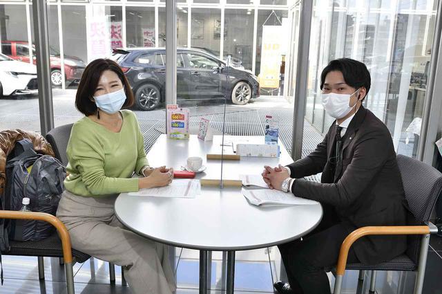 画像: 今回お話を聞いたのはネッツトヨタ南海 きたはなだ店 アドバイザーの岩井さんです。