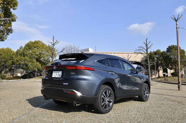 画像: お尻が素敵です。ドラマチックな後ろ姿はぜひ「これエエ車ちゃいますか」でもご覧くださいね。