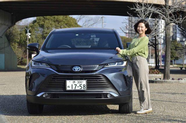 画像: 今井さん、どんな車も似合いますよねぇ。ハリアー×今井さんをパシャリ。