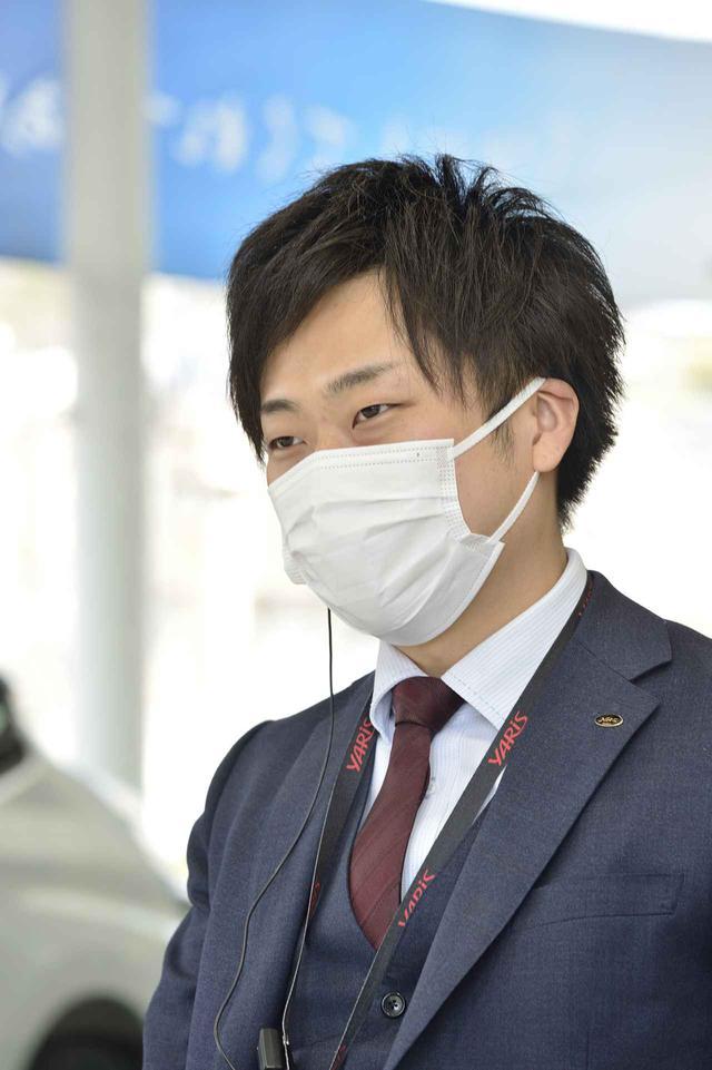 画像: モデルチェンジ以降、カスタムグレードには電動パーキングを搭載していますと黒田さん。