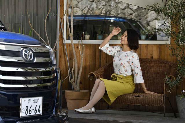 画像: おしゃれなカフェでマイカーを眺める時間。至福の時間です♪