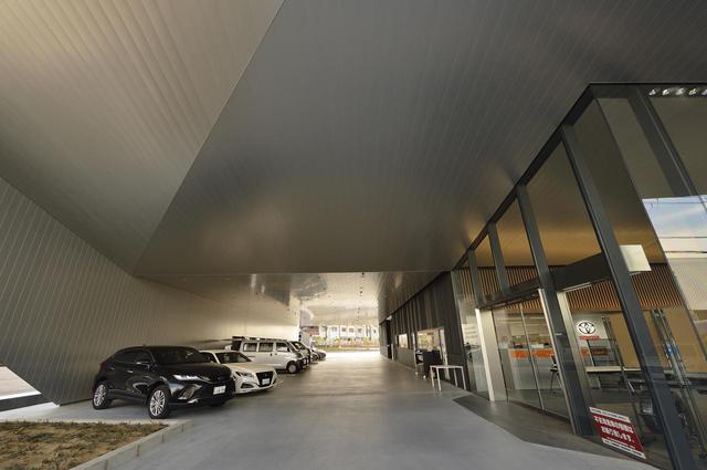 画像: 入口もラグジュアリー。最新の一流ホテルのようです!