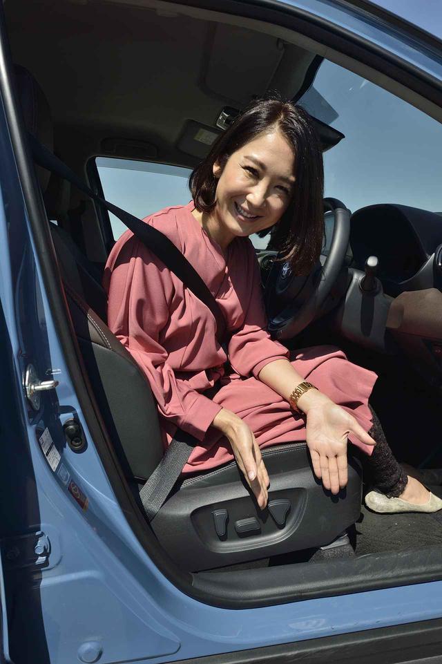 画像: こちらが電動シートの操作系になります。高級車クラスと同様の機能でシートポジションもスムーズに決まります。