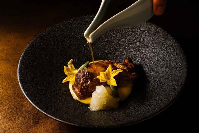 画像: オーストラリア産ラム肩肉の低温調理 インカポテトクリーム 加賀太キュウリ