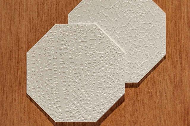 画像: メロンの網目の凹凸をコースターで表現。各品種を再現し、触って楽しい、学べるコースターだ。
