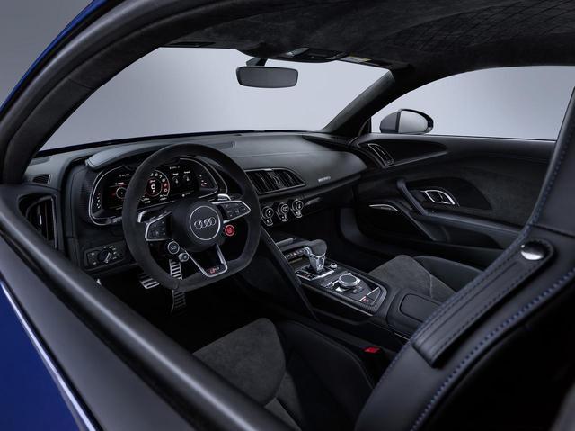 画像: Audi R8 Coupe(アウディ R8 クーペ)のインテリア