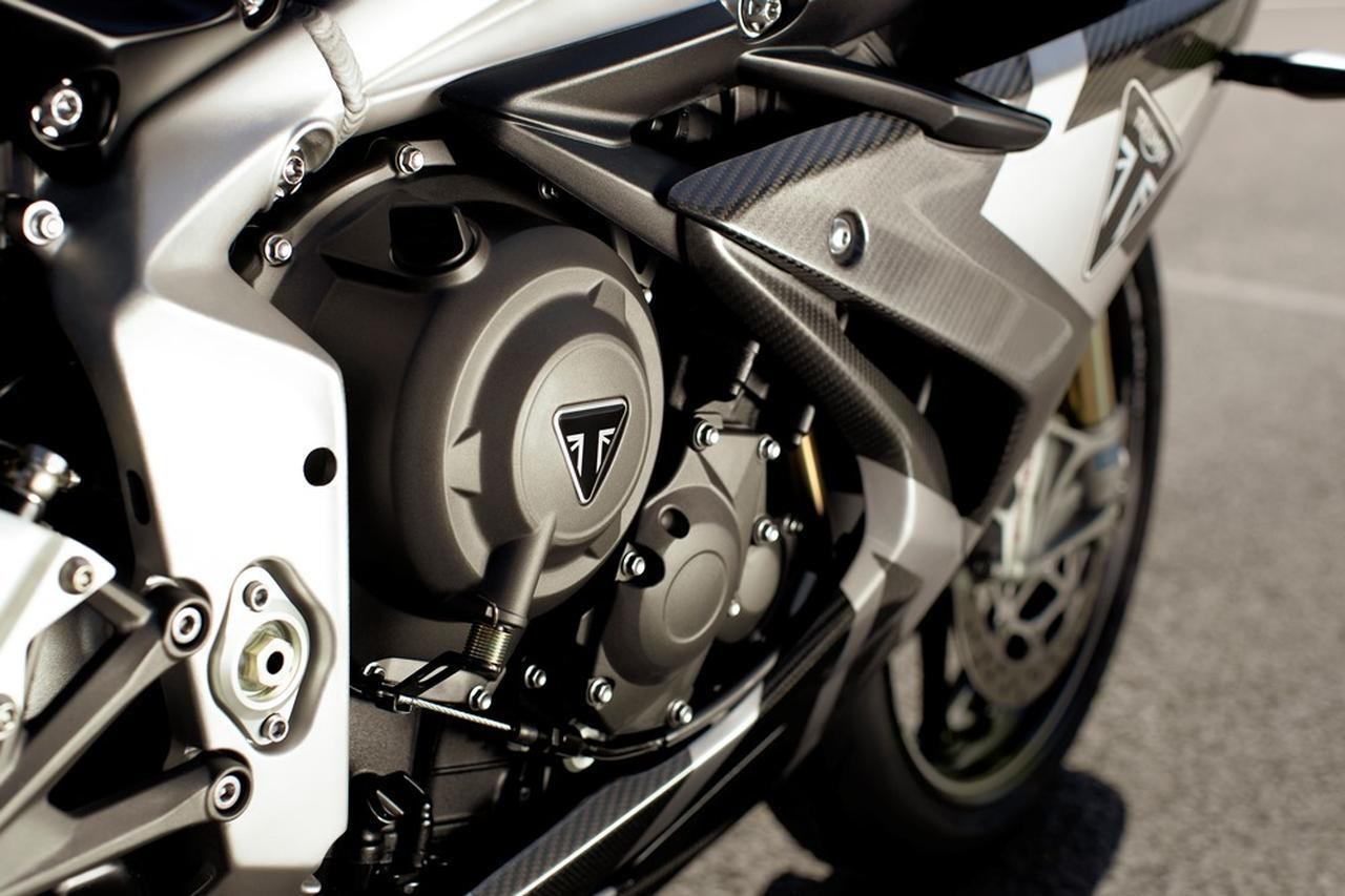画像: 新型Moto2TM派生765ccエンジン