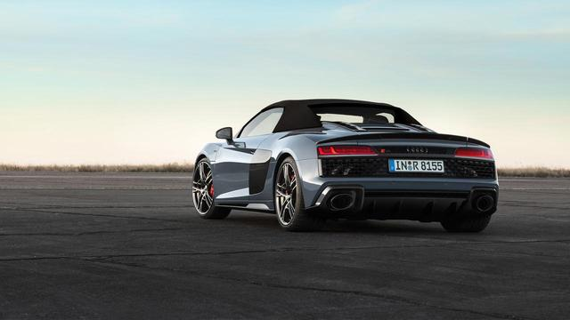 画像: Audi R8 Spyder(アウディ R8 スパイダー)のリア