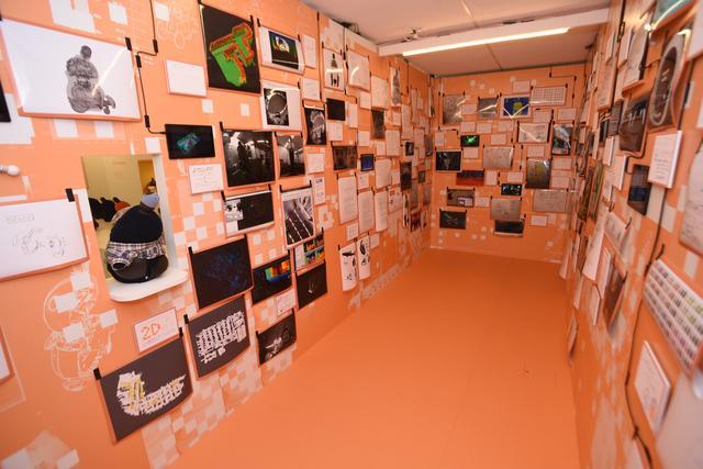 画像: 開発エンジニアたちのコメントやテスト映像などLOVOTの愛が詰まった展示室