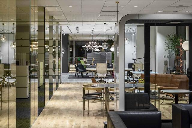 画像: インターオフィスのショールームには多彩なブランド家具が並ぶ。見学は要予約(撮影:益永研司)