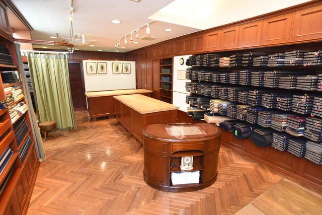 画像: 店内内観。多くの名士がここで服を仕立ててきた。「気負わずに気軽にお越しください」と翔氏