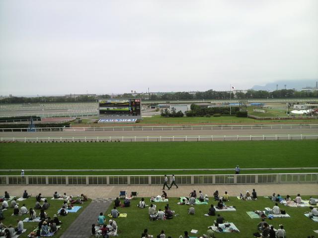 画像: 札幌競馬場。