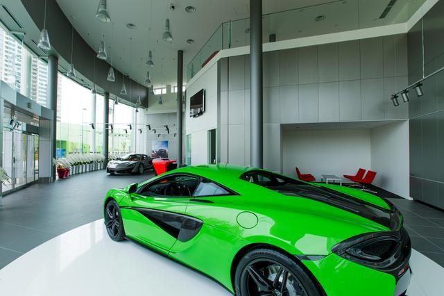 画像4: オーナーへの第一歩。世界初のマクラーレン クオリファイドがオープン