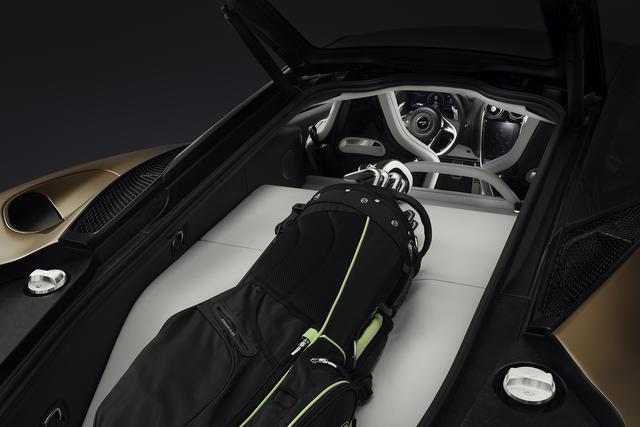 画像: ラゲッジスペースにゴルフバッグが積める