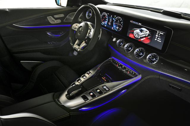 画像: インテリアの艶っぽさもまた、AMG車の魅力だ。