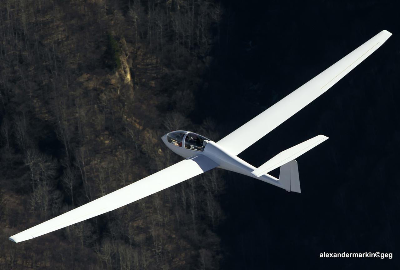 画像: アステアⅡは、トレーナー機としても非常に高い評価を受けていたそう。飛翔する姿がとにかく美しかった。 Aleksander Markin [CC BY-SA)] commons.wikimedia.org