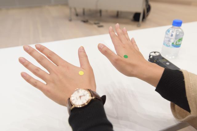 画像: 目印のシールを貼り実践