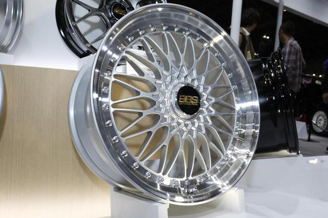 画像: 50周年記念モデルとして展開予定の「SUPER-RS」 ※写真は20インチモデル