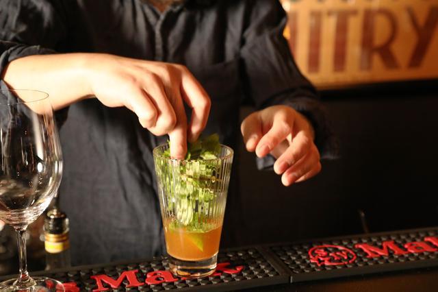 画像6: 音楽とお酒を語らう、異国のソウルBARへ