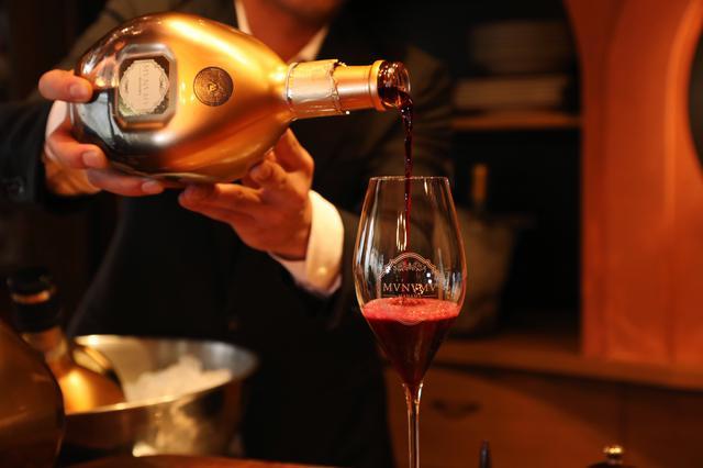 画像1: Manama 至極のスパークリングワイン「MVNVMV MANAMA」