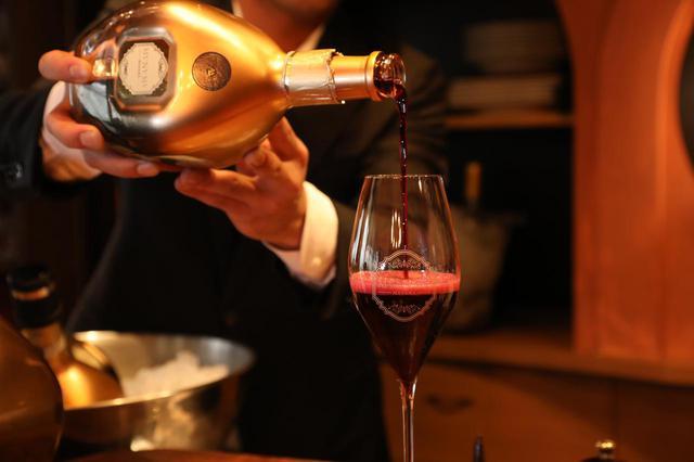 画像: 自家製カクテルから世界の珍しいお酒まで