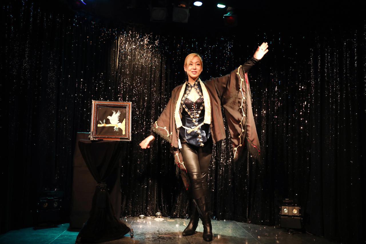 画像: 世界でも活躍するマジシャンのステージショー