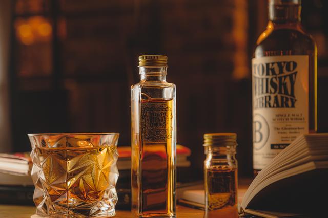 画像1: 1300種類以上のウイスキーからテイクアウトが可能