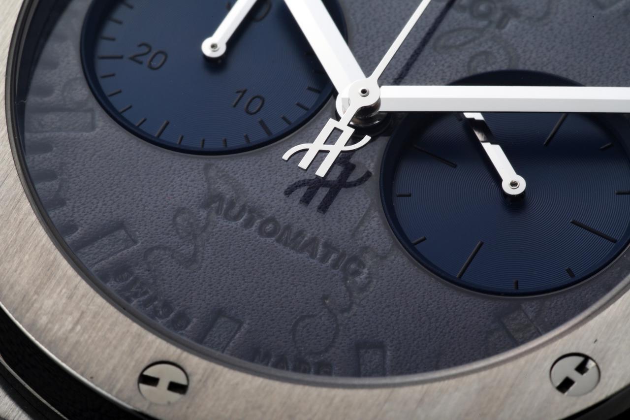 """画像: 高級靴で知られるベルルッティ。同ブランドのヴェネチアレザーと機械式時計が見事に""""融合"""""""