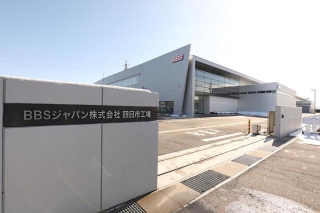 画像: 高岡市四日市に生まれた約16,500㎡に及ぶ新工場。こちらでは主に塗装を行っている