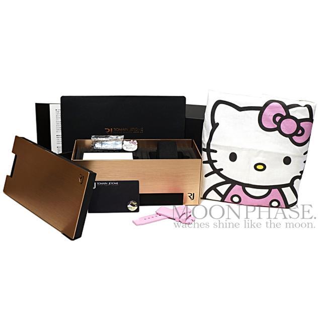 画像: 今回紹介しているハローキティモデルの箱。ピンバッジやトートバッグが付属する www.moon-phase.jp