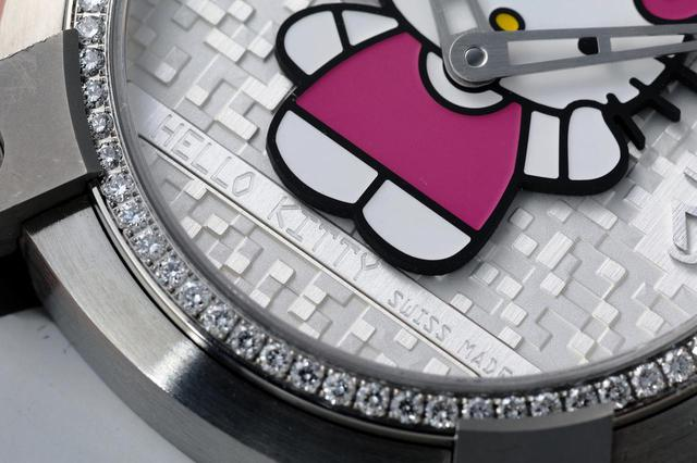 画像: HELLO KITTY SWISS MADEの刻印