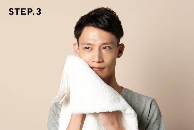 画像: 泡が残らないようにしっかりすすぎ、タオルでふきます www.makuake.com